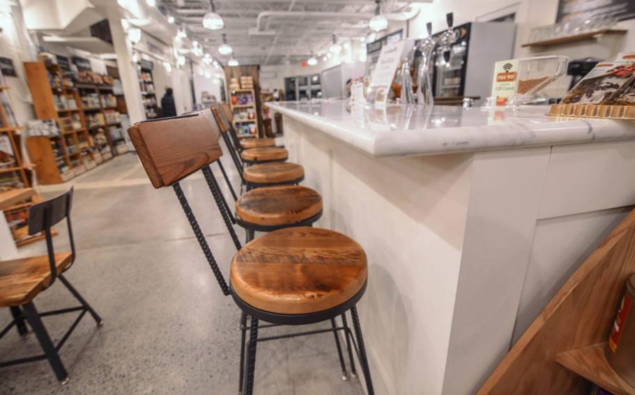 Il fullxfull cuhc rustic restaurant furniture
